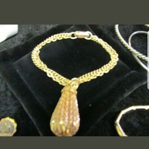 Jewelry - Big Vintage Surprise Jeweley collection PM 566
